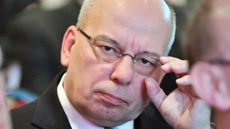 Rainer Wendt, umstrittener Vorsitzender der Deutschen Polizeigewerkschaft, soll Staatssekretär im Innenministerium von Sachsen-Anhalt werden.