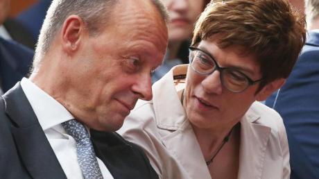 Parteifreunde und -konkurrenten: Friedrich Merz und Annegret Kramp-Karrenbauer.