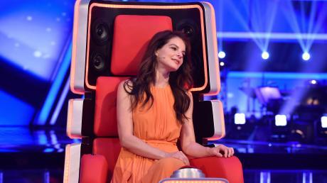 """Heute """"The Voice Senior"""" 2019: Sendetermine, Live-Übertragung im TV. Yvonne Catterfeld ist Jury-Mitglied und Coach."""