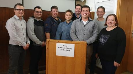 Sie sind die Kandidaten der Freien Wählervereinigung für den Landensberger Gemeinderat. Johannes Böse (Sechster von links) will Bürgermeister in der Gemeinde werden.