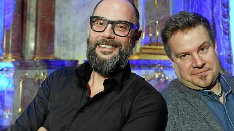 """Die beiden Kluftinger-Autoren Volker Klüpfel (links) und Michael Kobr waren zu Gast bei """"Augsburger Allgemeine live""""."""
