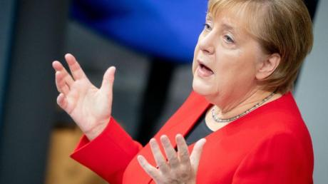 Bundeskanzlerin Angela Merkel spricht im Bundestag während der Generaldebatte zum Bundeshaushalt 2020.