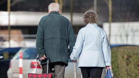 In Deutschland ist die Rente bei Frauen über 65 heute im Schnitt um 46 Prozent niedriger als bei Männern.