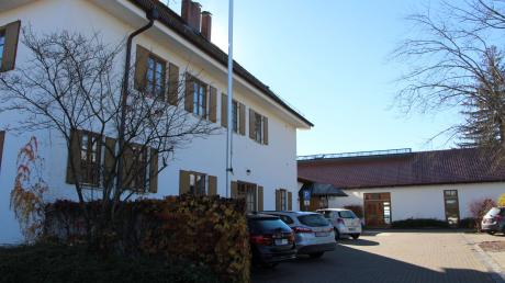 In der Schmiechachhalle wurden zahlreiche Projekte vorgestellt, die die Gemeinde Schmiechen anpacken will.