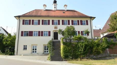 Das Rathaus von Waldstetten.