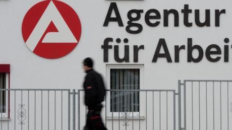 Die Agentur für Arbeit Donauwörth hat die Zahlen für den Landkreis Dillingen für das Jahr 2019 bekannt gegeben.