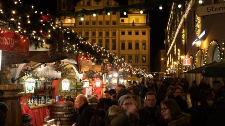 Der Christkindlesmarkt hatte bis 24 Uhr geöffnet - und der Andrang war groß.