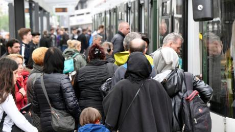Für das Jahr 2019 gehen die Stadtwerke von 64 Millionen Fahrgästen aus.