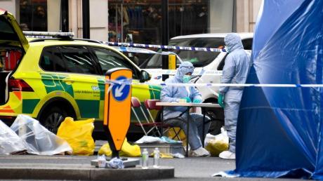 Der Tatort nahe der London Bridge am Tag nach dem Attentat: Forensiker sichern Spuren.