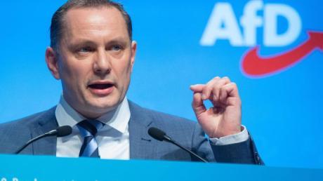 Tino Chrupalla ist Bundestagsabgeordneter, Malermeister - und seit Samstag auch Nachfolger von Alexander Gauland als Bundessprecher der AfD. Zudem wurde Jörg Meuthen wiedergewählt.