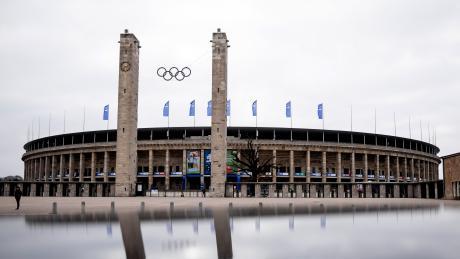 Die Aktivisten wollen das Berliner Olympia-Stadion mieten.