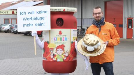 """Foodwatch vergibt den Schmähpreis """"Goldener Windbeutel"""" in diesem Jahr an die Firma Zwergenwiese."""