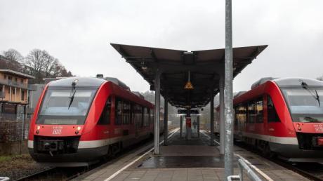 In Schongau wurde ein Regionalzug wegen eines Corona-Verdachts angehalten.
