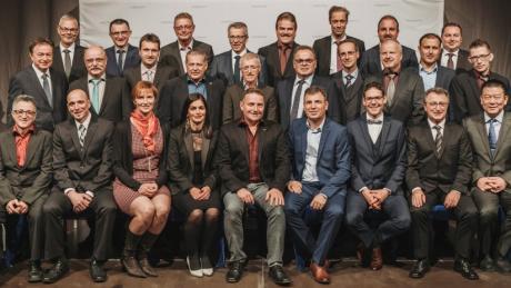 Langjährige Mitarbeiter von Robatherm sind bei der Jahresabschlussfeier in Jettingen-Scheppach geehrt worden.