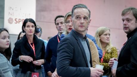 Außenminister Heiko Maas ist beim SPD-Parteitag in Berlin im zweiten Wahlgang doch noch in den SPD-Parteivorstand eingezogen.