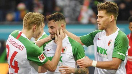 Bundesliga 2019/2020: Kann der FC Augsburg heute in Hoffenheim wieder siegen? Hier erfahren Sie, wie Sie den Spieltag live im TV und Stream sehen. Sky oder DAZN?