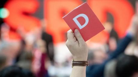 Dieser SPD-Parteitag wird in Erinnerung bleiben: Nach der Wahl der Doppelspitze hat die Partei am Sonntag auch eine Vermögenssteuer und das Ende der Schuldenbremse beschlossen.