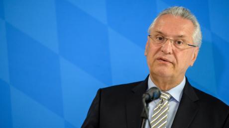 Joachim Herrmann hat am Freitag in Fürth die regionalisierte Bevölkerungsvorausberechnung vorgestellt.