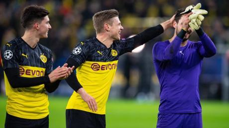 """""""Dank eines überragenden Roman Bürki zitterte der BVB sich zu einem Sieg über Prag"""", schreibt Der Westen."""