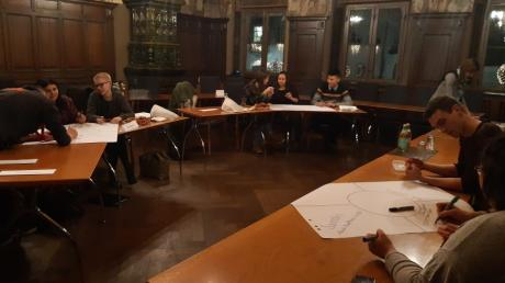 Die neuen Mitglieder des Friedberger Jugendrats müssen sich erst kennenlernen und in ihre neuen Rollen hineinwachsen.