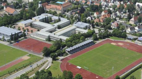 Trauer am Mindelheimer Maristenkolleg: Der ehemalige Konrektor der Realschule ist gestorben.