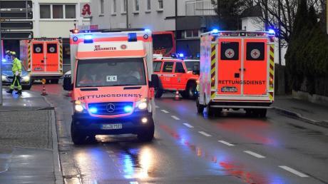 Im Bereich der Sedanstraße hat sich in Günzburg ein Unfall mit mehreren Fahrzeugen ereignet.