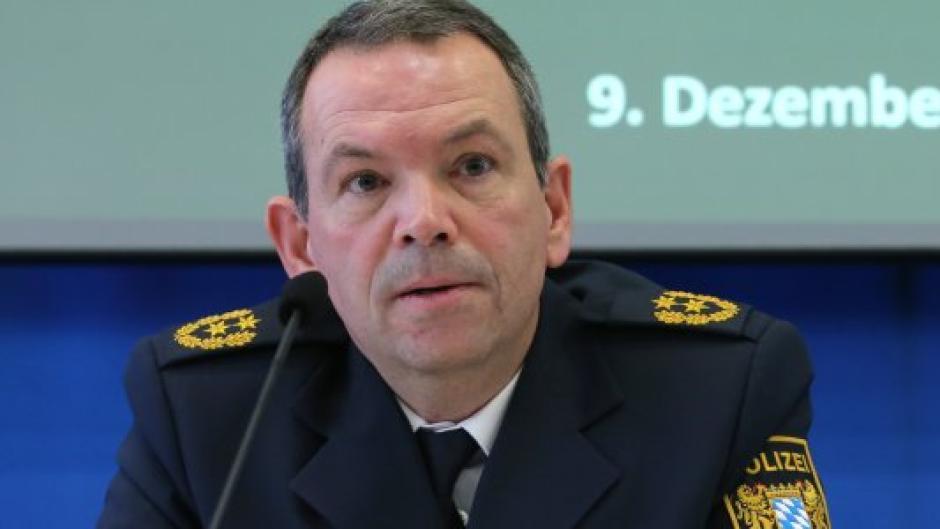 Polizeipräsident Michael Schwald bei der Pressekonferenz am Montag. Die Arbeit seiner Behörde steht durch die tödliche Attacke am Königsplatz derzeit in besonderem Fokus.