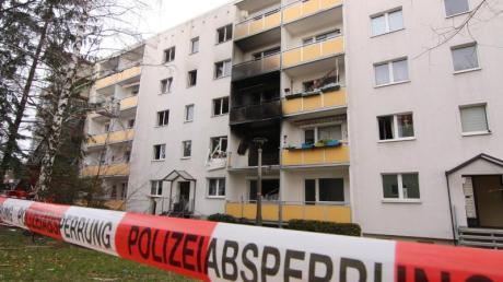 Das Haus liegt eher am Rande der Harzstadt Blankenburg. Eine in der Nähe befindliche Kita wurde evakuiert.