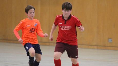 Der Ball rollt wieder in der Halle beim Futsal-Vorrundenturnier zur Landkreismeisterschaft - den Auftakt machen die C-Junioren am Samstag in der Aichacher Sporthalle der Grundschule Nord.
