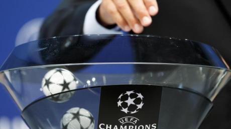 In der Königsklasse stehen nun die Achtelfinalgegner für den FCBayern München,RBLeipzig und Borussia Dortmund fest.