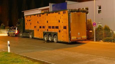 Die Polizei hat am Montagmorgen einen Tiertransporter gestoppt.