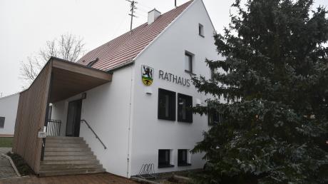 Im kommenden März wird ein neuer Bürgermeister in das Rathaus in Bächingen einziehen.