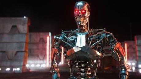 """Pflegeroboter werden aus nachvollziehbaren Gründen wohl wahrscheinlich etwas freundlicher aussehen als dieser """"Terminator"""" aus der Produktreihe T800."""