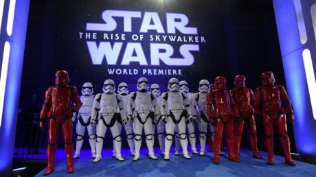 In dieser Woche startet der neue Star-Wars-Film. Die Berner Polizei hat dazu einen lustigen Weihnachtsspot gedreht.