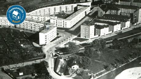 """Entlang der Rosenaustraße entstanden 20er Jahren etliche Wohnungen: Lessinghof (links vorne) und Schuberthof (links hinten) gelten als herausragende Beispiele der """"Neuen Sachlichkeit""""."""