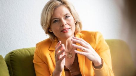 """Agrarministerin Julia Klöckner: """"Tierschutzgesetze gelten für alle, sie sind kein Vorschlag zur Güte. Wer gegen sie verstößt, dem muss das Handwerk gelegt werden."""""""