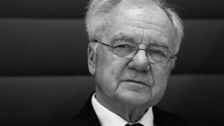 Manfred Stolpe (SPD), ehemaliger Ministerpräsident von Brandenburg, ist im Alter von 83 Jahren gestorben.