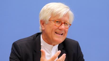 Heinrich Bedford-Strohm, Ratsvorsitzender der Evangelischen Kirche in Deutschland (EKD), hat über Morddrohungen gegen seine Person gesprochen.