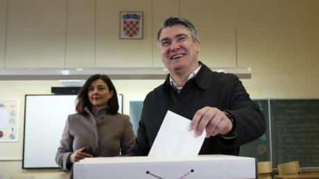 Zoran Milanovic bei der Stimmabgabe in Zagreb.