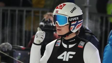Dem Norweger Marius Lindvik gelang letztes Jahr der Sieg der Vierschanzentournee in Garmisch. Alles zu Programm, Zeitplan und Terminen der Saison 2020/21 sowie der Übertragung in TV & Stream erfahren Sie hier.
