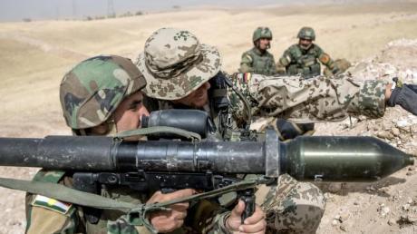 Die Bundeswehr bildet im Nordirak kurdische Peschmerga aus - dieser Einsatz geht vorerst weiter.