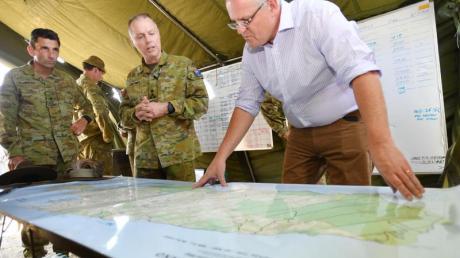 Australiens Premier Scott Morrison im Brandgebiet:Die Wut der Australier über den Regierungschef wächst.