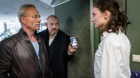 Der Tatort gestern aus Köln zeigte erschreckend realistisch, wie die Opfer plötzlich unverschuldet in eine schier endlose Spirale von Demütigungen geraten. Hier die Kritik in den Pressestimmen.