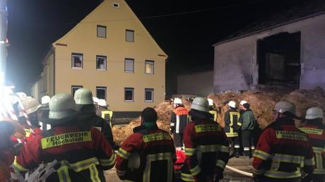 Schon wieder mussten die Feuerwehren am Sonntagabend in Deisenhofen ausrücken. Es brannte erneut  im Bereich Mörslinger Straße/Schulstraße.