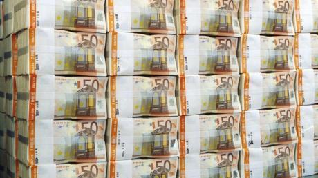 2019 überstiegen die Einnahmen im Bundeshaushalt die Ausgaben um 13,5 Milliarden Euro.