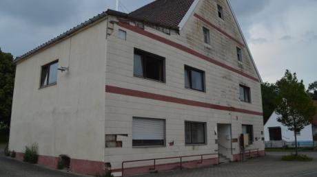 Die Gemeinde Haunsheim will das ehemalige Gasthaus Adler erhalten und den Abriss verhindern.