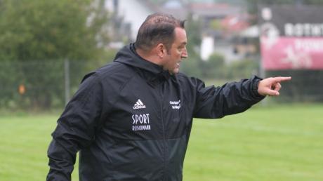 Roland Jegg gibt auch in der kommenden Saison beim FV Bellenberg die Kommandos.