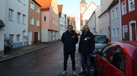 Ralf Müller (rechts) leitet das Ordnungsamt in Mindelheim. Er und sein Stellvertreter Kilian Schmid (l.) wurden mehrfach Zeugen von Gewalt gegen Mitarbeiter.