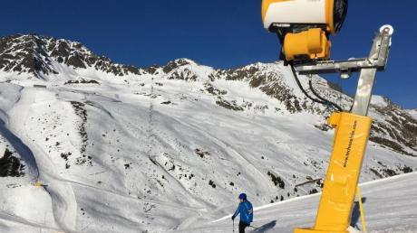Österreich rüstet seine Skigebiete jedes Jahr mit neuen Bahnen, Liften und Schneekanonen auf.