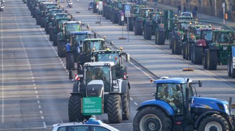 In Berlin demonstrierten tausende Landwirte mit ihren Traktoren.